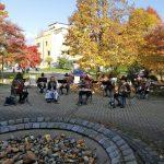 Marschmusik vor dem Seniorenheim Volkshilfe